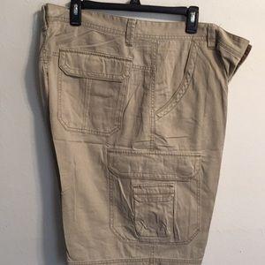 Unionbay cargo shorts NWT 100% cotton.